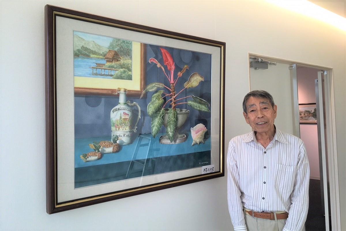 個展を開くアマチュア画家の森重浩敏さん