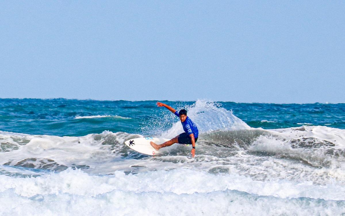 国内外から選手が集まったサーフィン国際大会