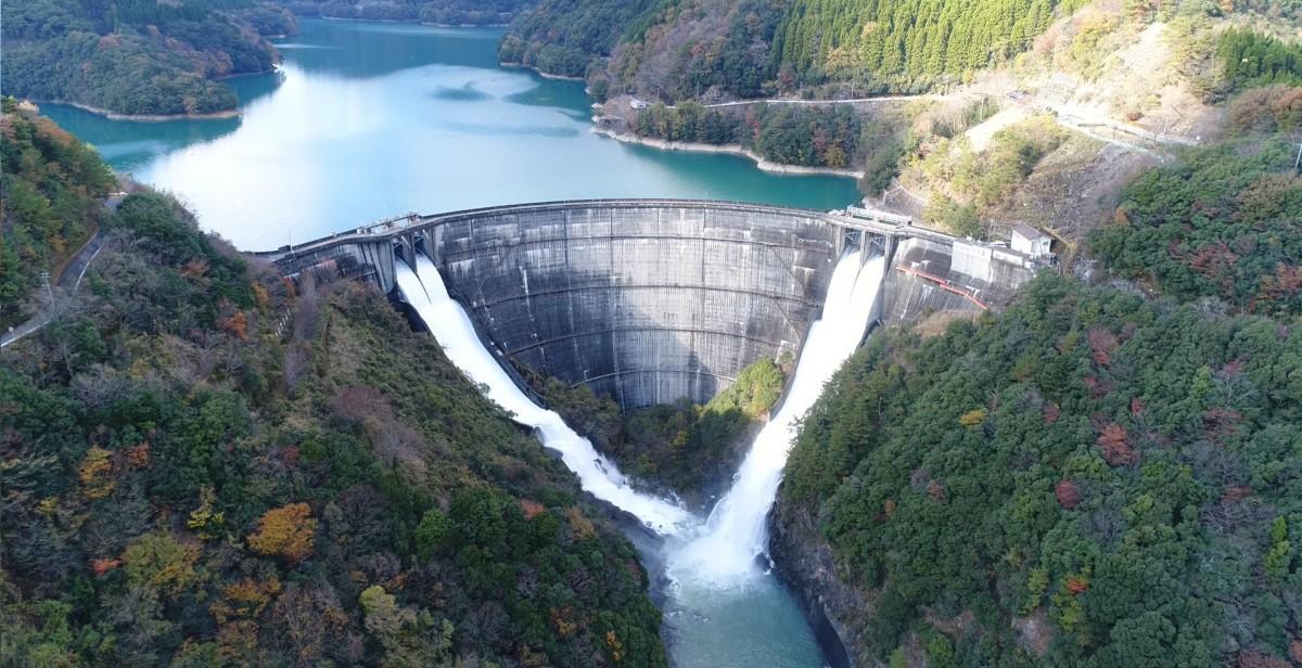総貯水容量9155万立方メートルの「上椎葉ダム」