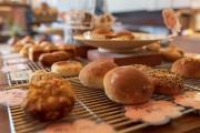日向のイオンタウンで「東九州パンパク」 県内外のパン店勢ぞろい