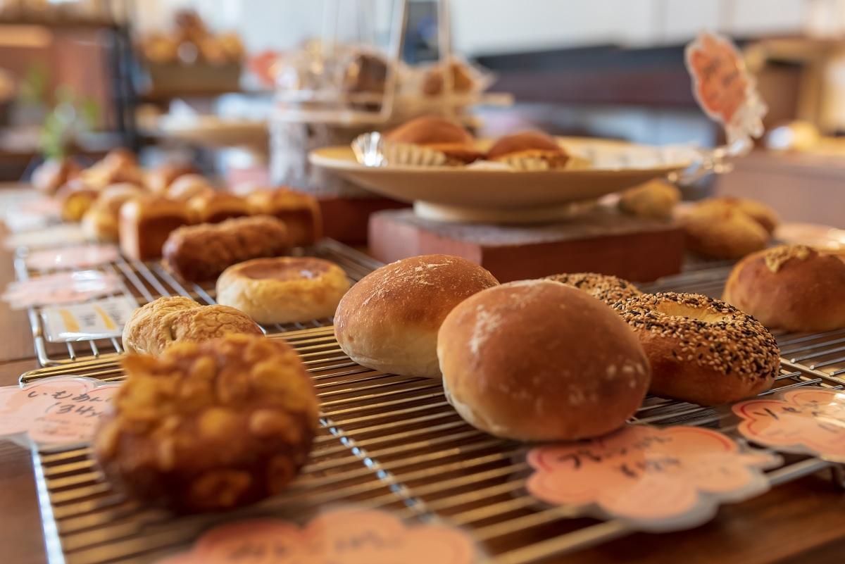 「Boulangerieとも麦」(延岡市)の店内