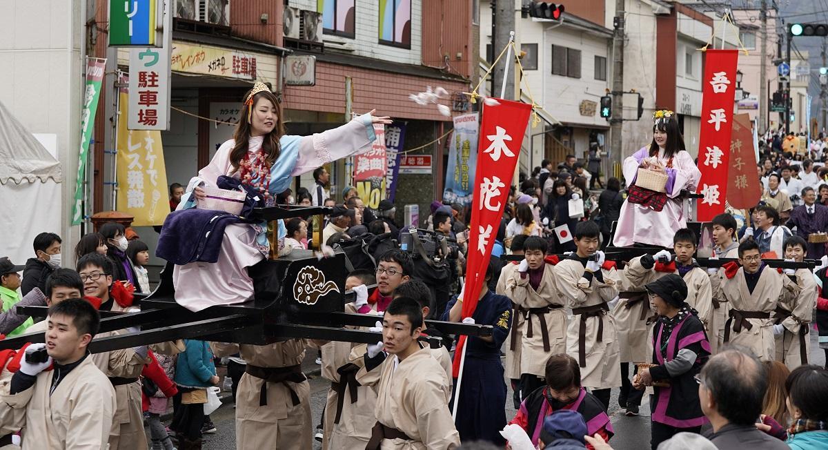 昨年の「神々パレード」
