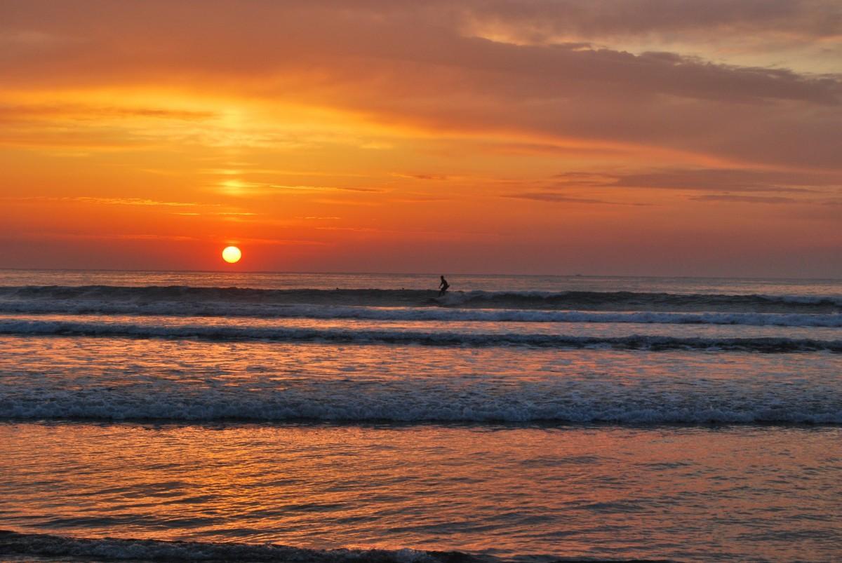 日向市のサーフスポットの一つである「お倉ヶ浜」