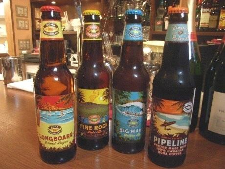 ドリンクメニューにはハワイのビール「パイプラインポーター」や「ビックウェーブ」、「ロングボード」なども。