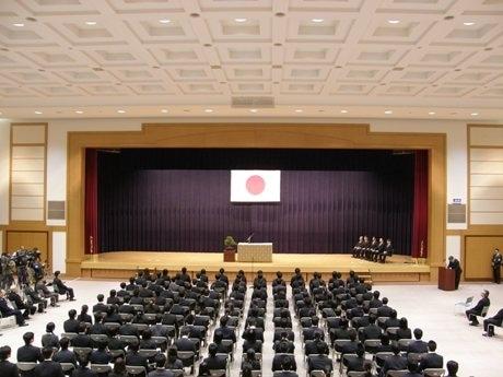 多くの企業が入社式を行う4月1日。防衛省でも午前10時30分より「入省式」が行われた。