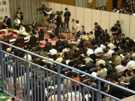 各ワーキンググループとも立ち見が出るなど一般傍聴者が多数訪れた最終日の同体育館