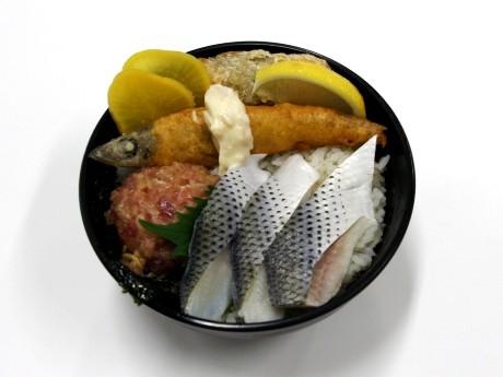 東京理科大学の学食で提供を開始する特別メニュー「光しょく梅丼」