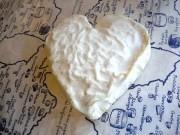 神楽坂のチーズ専門店に「ハート形のチーズ」-バレンタイン予約集まる