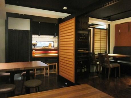 神楽坂・毘沙門天裏にオープンするワインレストラン「WineClub La Tablee」(画像=店内の様子)