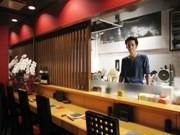 神楽坂に焼き鳥とワインの店-客同士の交流が生まれる店に