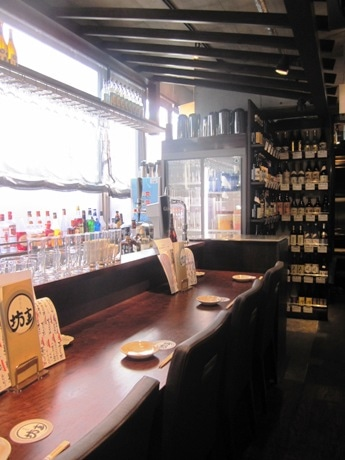 焼酎ボトルを低価格で提供する居酒屋「神楽坂 坊主」
