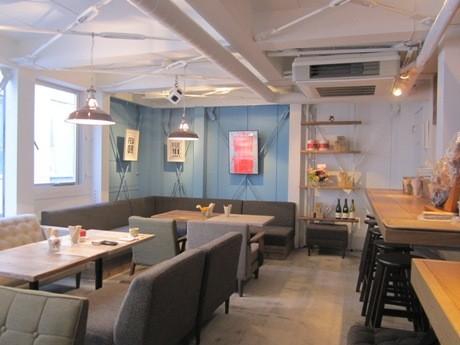 飯田橋にオープンした「CONGRATS CAFE」店内の様子