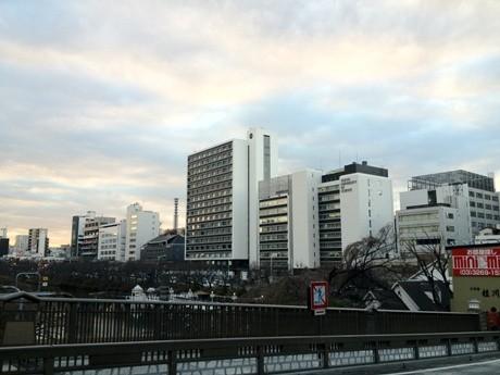 飯田橋駅西口に近い神楽坂キャンパス
