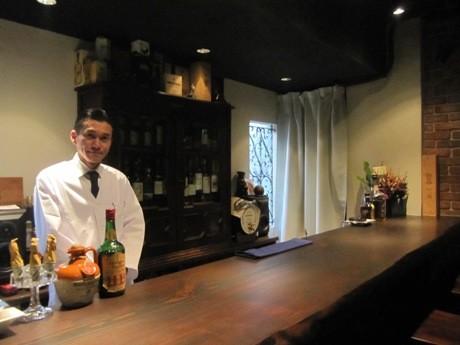 四ツ谷・しんみち通りにバー「Scotch Watch」がオープン(画像=オーナーの古舘康洋さん)