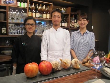 神楽坂にオープンした「ル ブルターニュ バー ア シードル レストラン」堀池成久シェフとスタッフの皆さん