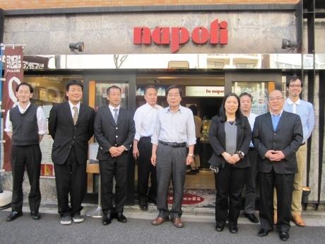 今年4月に創業60周年を迎えた「ナポリアイスクリーム」従業員の皆さん