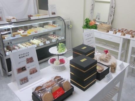 ギフト商品、生菓子、焼き菓子のテークアウト専門店「アトリエコータ 飯田橋」がオープン