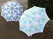 神楽坂で浴衣生地など使い、手作りの日傘展-「夏の涼感」テーマに