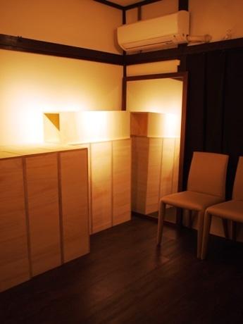 神楽坂・小栗横丁のワインダイニング「marugame」2階のオープンする「神楽坂 夜のギャラリー marugame」