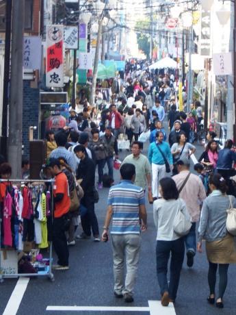 四谷荒木町・舟町周辺一帯を会場に「四谷大好き祭り2013」が開催される(画像=昨年の様子)