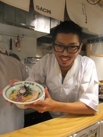 曙橋に市ケ谷の人気店「麺や 庄の」の系列店となる油そば専門店「GACHI(ガチ)」がオープン