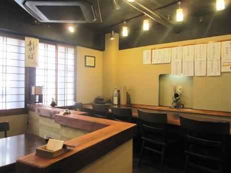 四谷荒木町にオープンした手打ちそばと信州地酒の店「佳蕎庵 くぼた」