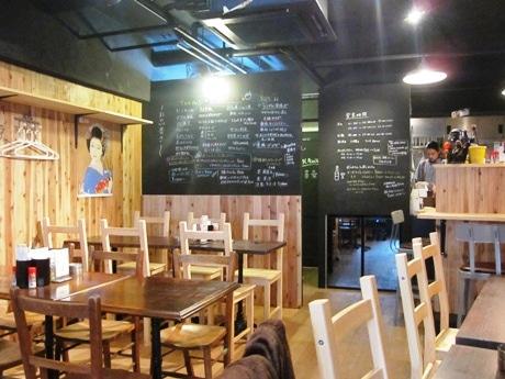 曙橋駅近くのカフェ&バル「COMIDA」が「COMIDA酒場」としてリニューアル