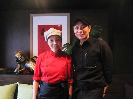 「HANUMAN'S NINE 9」オーナーの籔内宏さんとシェフのリアンさん