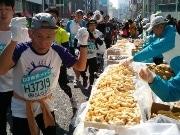 ドール「東京マラソン専用バナナ」間もなく収穫-「ももクロ」聞かせて熟成へ