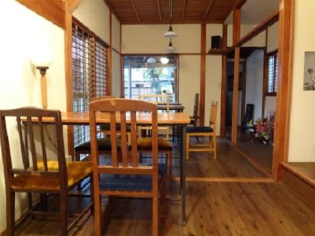 1階のカフェスペース