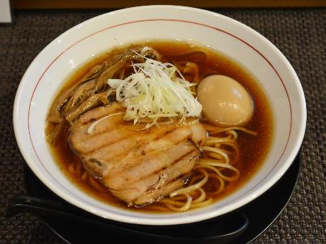同店の「味玉らぁ麺」