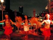 カナルカフェ夏の恒例イベント「Hawaiian Night」(画像=2013年の様子)