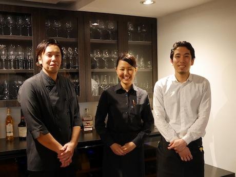 同店スタッフ。左から、宮崎シェフ、森山さん、宮崎マネジャー