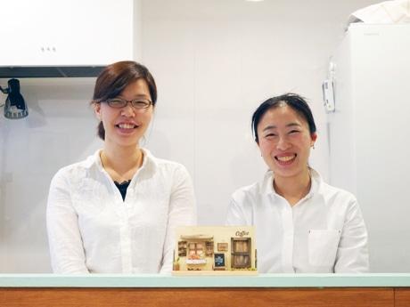 中村綾子オーナー(左)と坂田美里店長