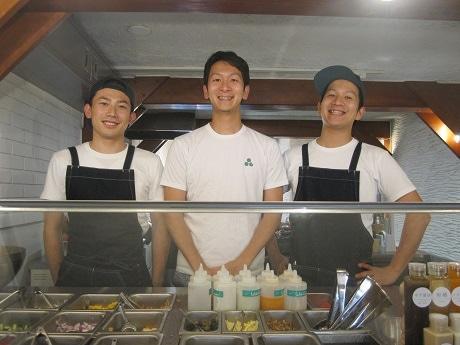左からWith Greenの渡邊友基さん、武文智洋さん、武文謙太さん