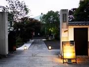 神楽坂「懺悔の聖地」で「サンゲノヨル」 1周年迎え参拝者は増加傾向に