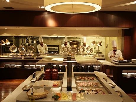 ホテルグランドパレスがレストラン&カフェ「カトレア」のブッフェコーナーをリニューアル
