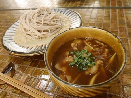 コゲボン×ニューキャッスルのコラボメニュー「辛来肉つけ蕎麦」(1,400円)
