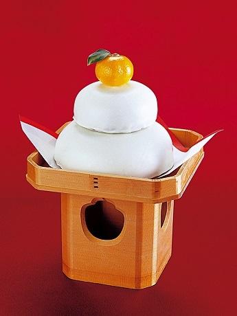 ホテルグランドパレスが「オレンジケーキの鏡餅」を限定販売(写真はイメージ。みかん、三方は含まれない)