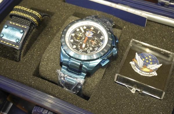 市ケ谷のミリタリーショップ「ミリタリー将」で人気の「ブルーインパルス」デザインの腕時計