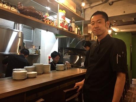 神楽坂にオープンしたワインビストロ「レ・ピコロ」オーナーシェフの吉田正也さん