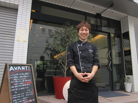 牛込神楽坂駅近くの住宅街にオープンしたイタリアンレストラン「AVANTI」のオーナーシェフ・井ノ川貴寛さん