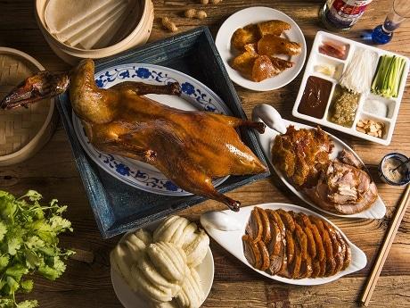 牛込神楽坂の中国料理店「月下爐」で1日限定の北京ダック食べ放題イベント「ゲッカロ 北京ダック祭り」を開催
