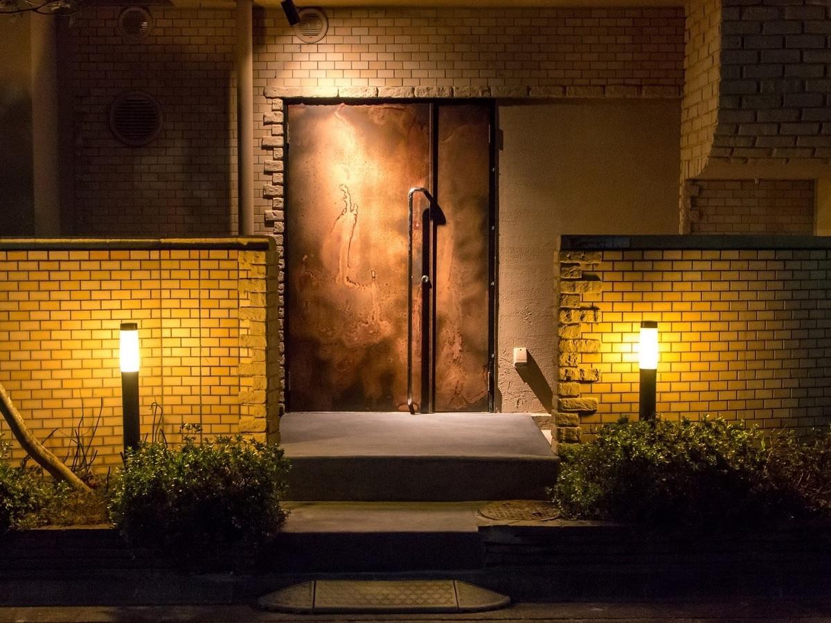 牛込警察署裏手の住宅街にオープンしたレストラン「SECRETO」