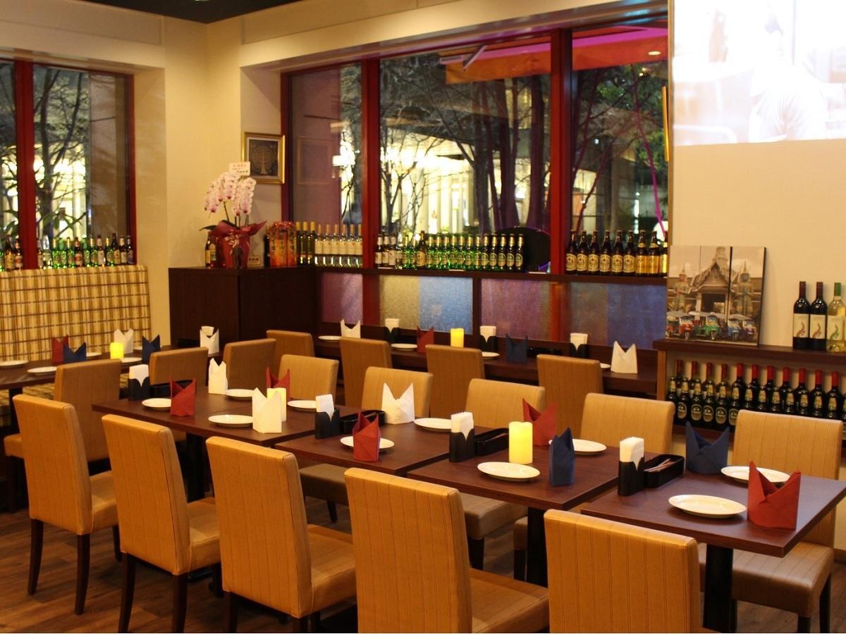 飯田橋・アイガーデンテラスにオープンしたタイ料理レストラン「BASIL(バジル)」店内の様子