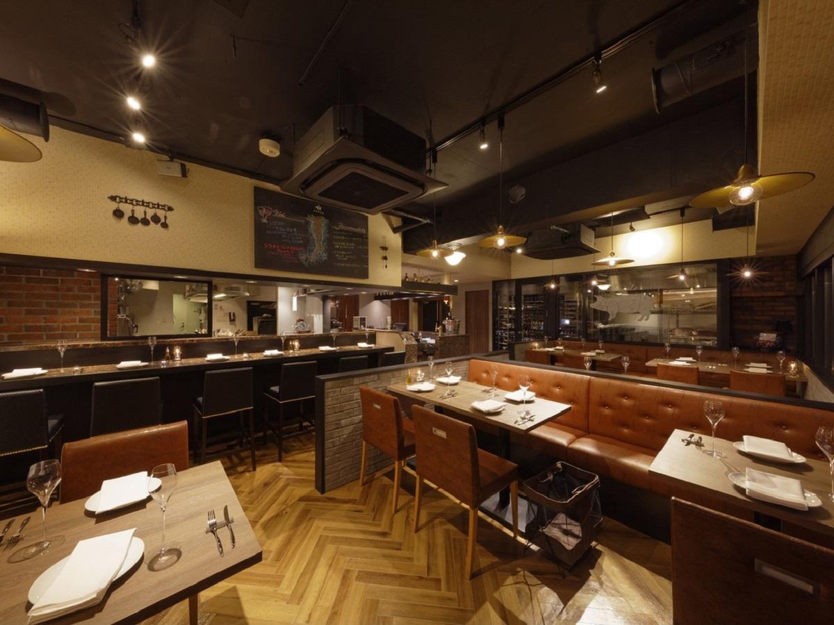 神楽坂にオープンした「Enoteca e Maiale REGUS 神楽坂」店内の様子
