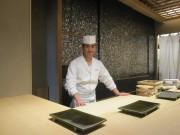 神楽坂にカウンター8席のすし店 グランドハイアット東京「六緑」料理長が独立