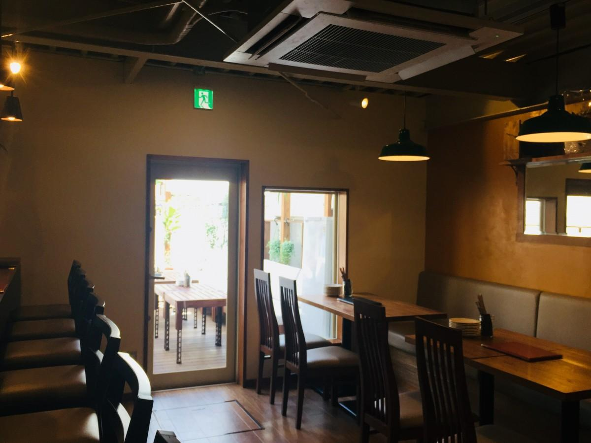 地蔵坂にオープンしたワインビストロ「クレアトゥール」店内の様子