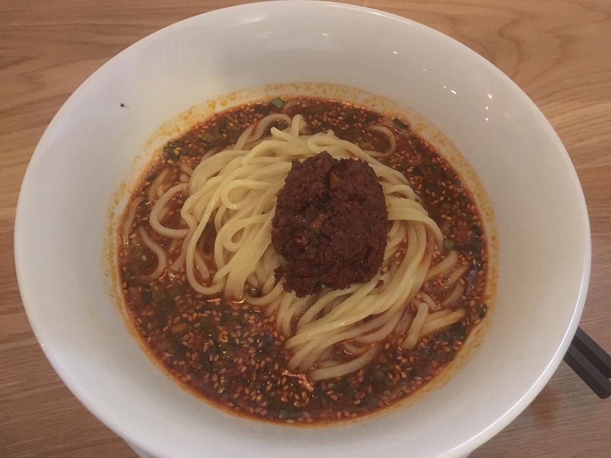 赤い坦々麺