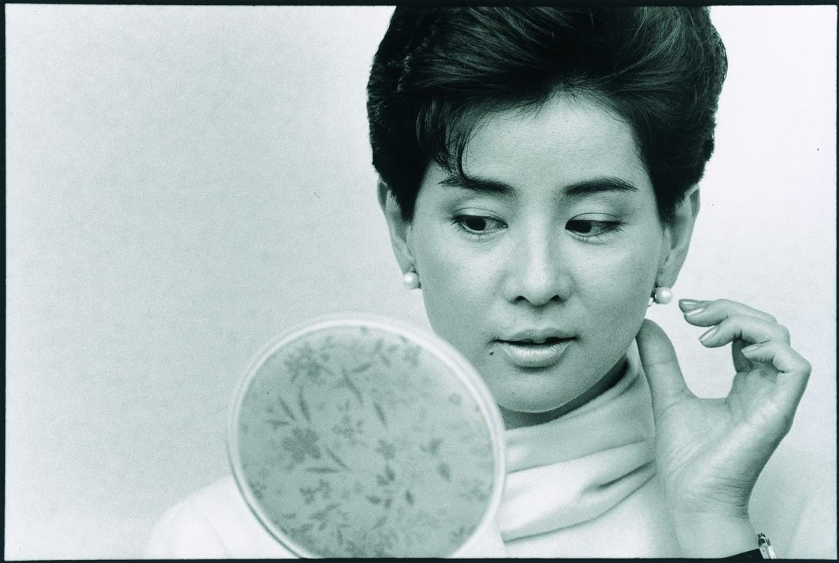 吉永小百合さんのポートレート 1985(昭和60)年撮影(JCIIフォトサロン提供)